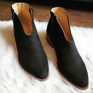 Shoes - 🆕️//The Cheyenne// Black vegan suede Bootie
